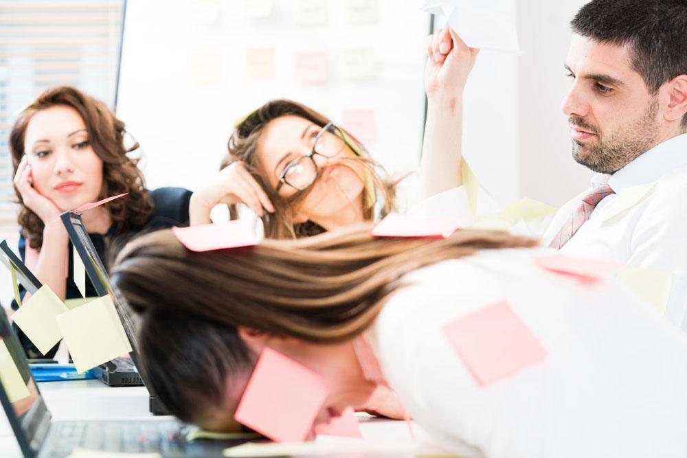 Burnout e Boreout, quando il lavoro…fa andare fuori di testa!